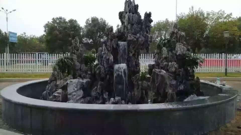 人工假山瀑布